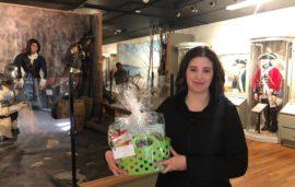 Congratulations to our March Break prize draw winner, Brianna Holowaty! Brianna's mom, Amanda Holowa…